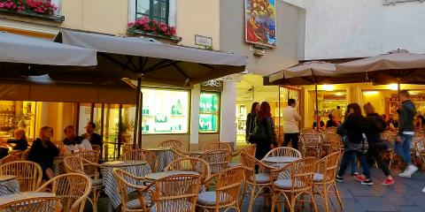 Procida outdoor restaurant