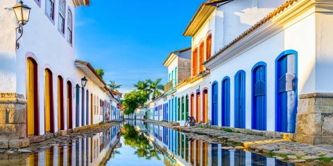 Between the colourful houses of Paraty
