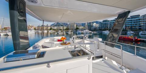 Moorings 433 Flybridge