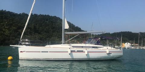 419 yacht exterior